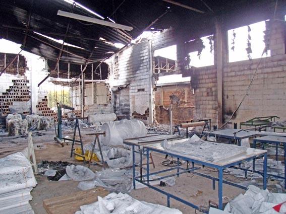 Incêndio destrói parte de barracão no Itamaraty