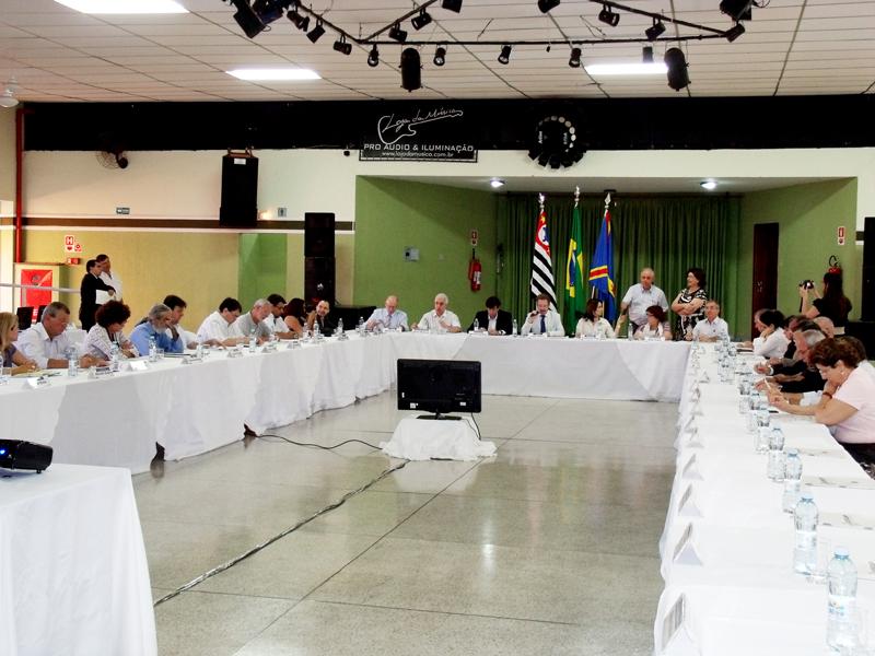 Encontro reúne prefeitos da RMC em Artur Nogueira