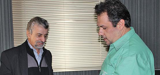 Deputado Marcos Martins faz visita informal em Artur Nogueira