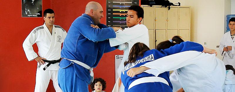 Aulas de judô desenvolvem habilidade e disciplina