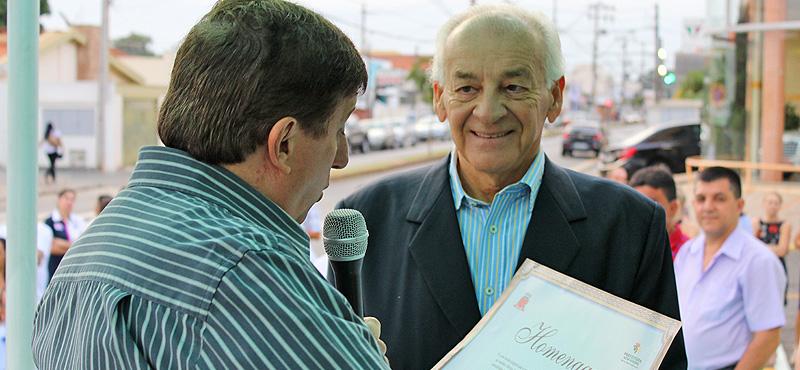 Inauguração da nova Farmácia Municipal conta com homenagem a Dr. Décio