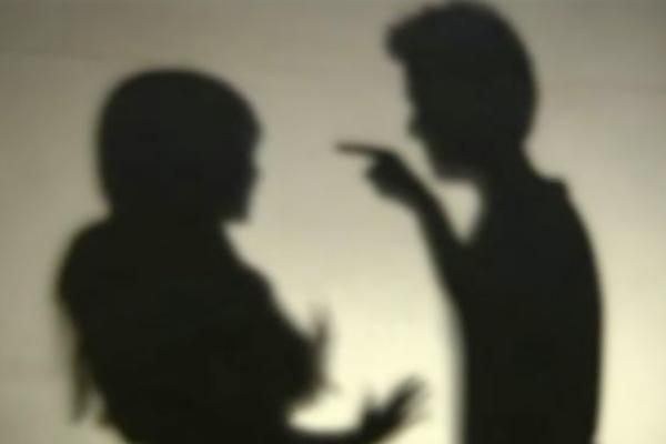 Mulher acusa companheiro de agredi-la com corrente em Artur Nogueira