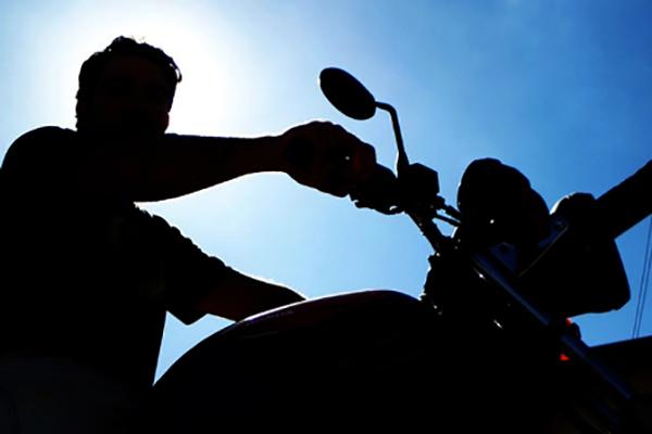 Suspeito se passa por comprador e leva moto de vítima em Artur Nogueira