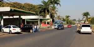 Acidente em avenida de Artur Nogueira envolve três automóveis