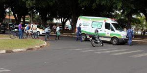 Colisão deixa motociclista ferida em Artur Nogueira