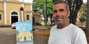 Artista plástico itinerante visita Artur Nogueira