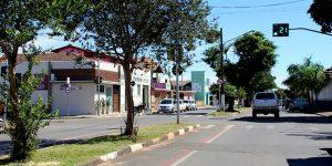 Motociclista fica ferida ao sofrer acidente em Artur Nogueira e envolvido foge