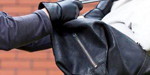 Ladrões de moto roubam moradora em Artur Nogueira