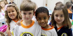 Anglo oferece aulas adaptadas para crianças de até 4 anos