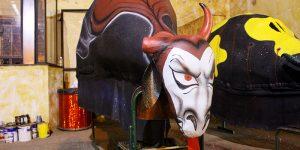 Vacas ganham tema de desenhos animados no Carnaval de Artur Nogueira
