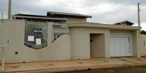 Vende-se casa residencial no bairro Jardim Conservani