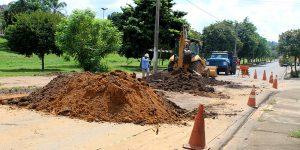 Saean e Comitês PCJ realizam obra para melhoria em rede de esgoto do Sacilotto