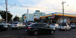 Com medo de nova greve, motoristas fazem fila para abastecer em Artur Nogueira