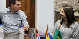 Artur Nogueira recebe visita de deputada federal Renata Abreu