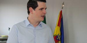 """""""Não me envolvo em brigas políticas locais"""", diz Cauê Macris em visita à Artur Nogueira"""