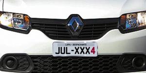 Veículos com placa final 4 devem ser licenciados em julho