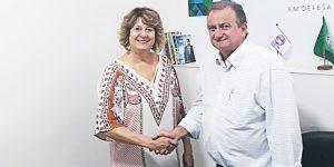 Zezé da Saúde é convidada a se candidatar para deputada estadual
