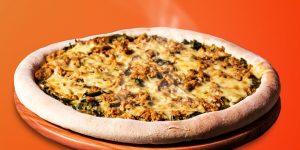 Mais de 60 sabores de pizzas por R$ 26,50 neste domingo na Della Nona