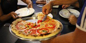 Della Nona oferece rodízio com mais de 60 sabores de pizza toda quarta-feira